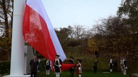 Flaga Polski zawisła na Górze Gradowej