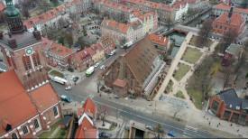 Wielki Młyn. Rozbiórka starego dachu