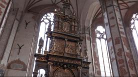 Ołtarz w kościele św. Jana odsłonięty