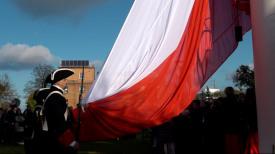 Gigantyczna flaga Polski zawisła na Górze Gradowej