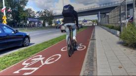 Rowerzyści na nowych gdańskich ścieżkach rowerowych